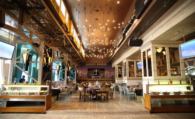Radio City Bar&Kitchen  class=