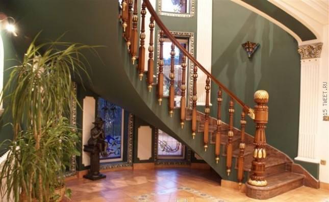 Изготовление мебели на заказ, лестниц и дверей