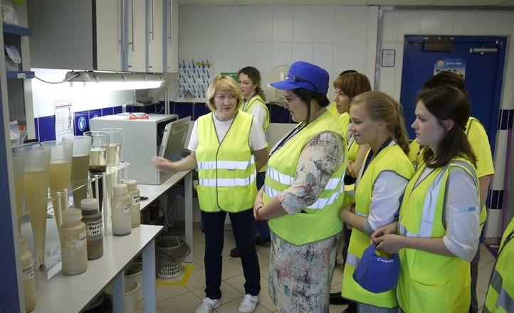 С заботой об окружающей среде: на заводах «Балтики» прошли экологические экскурсии