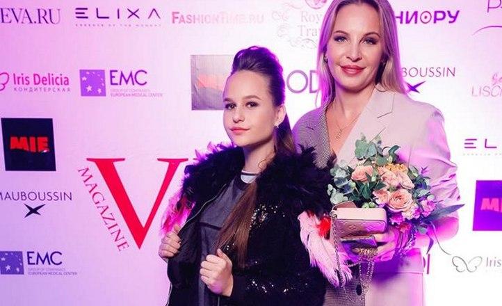 Журнал «VMODE» - Новое слово Елены Шериповой в модной индустрии